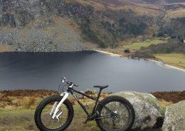 bikes above lake